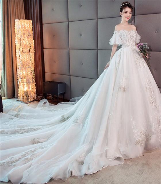 超豪華 宮廷風 レース ウェディングドレス オフショルダー 白 花嫁 結婚式 披露宴 ベール パニエ グローブプレゼント付 送料無料 LJ291