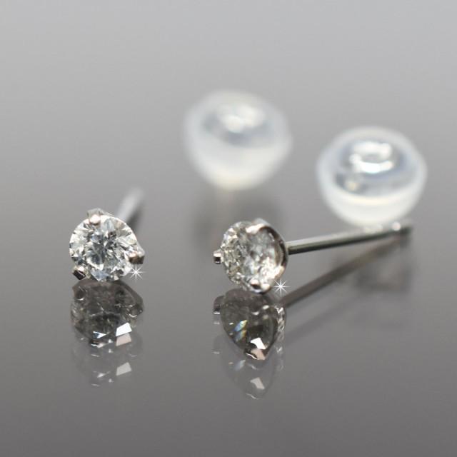 代引き手数料無料 Pt900 プラチナ900 シンプル3本爪タイプ ダイヤモンド 一粒 一粒 ピアス 直径3.3mm ダイヤ 0.3ct【ジュエリーケース付き】, 鳳来町:d3b97787 --- structure.echopacs.de