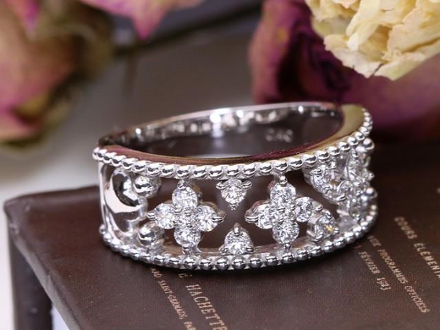 【正規販売店】 Sレベルのダイヤモンドで描く合計0.4カラットの幅広デザインPTリング(各地金素材) 上質-指輪・リング