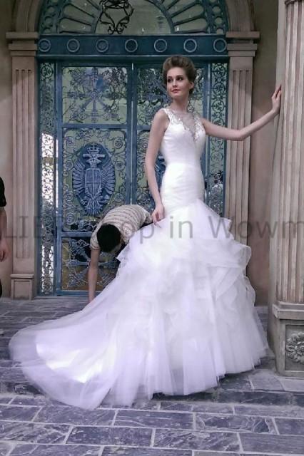 新作モデル ウェディングドレス ブライダルガウンセクシーなオープンバックビーズのウェディングドレスファッションイリュージョンVネック Bri, 寝ころん太くん fc94852c
