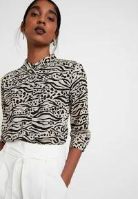 Monki レディースシャツ Monki HELLA BLOUSE - Button-down blouse - brown/black brown/blac