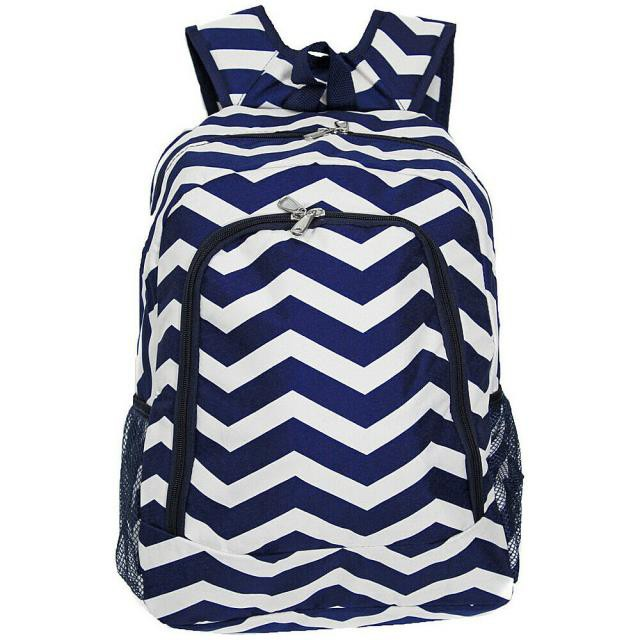 World Traveler ワールドトラベラー 旅行用品 キャリーバッグ World Traveler Chevron 16&#034 Multipurpose Backpack 8 Colors Everyday