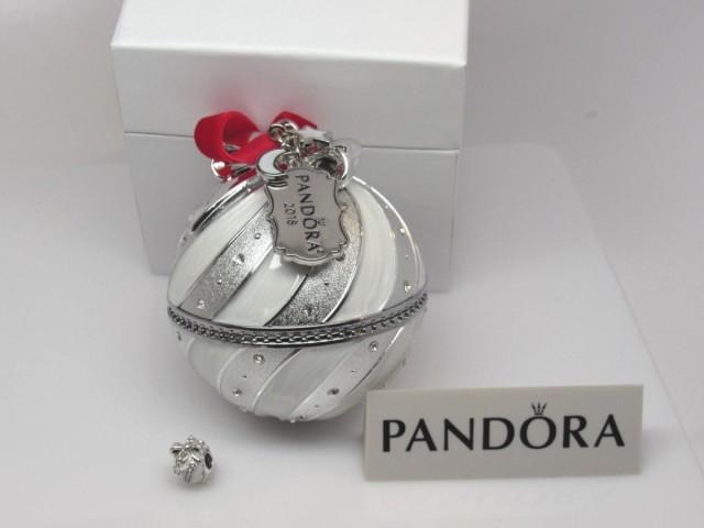 【超新作】 Pandora White パンドラ Charm 白 オーナメント White & Silver Rockettes Charm & 2018 Ltd Ornament 白 ロケット, イタリアワインのいのししや:3580545c --- behind.freie-waehler-im-roemer.de
