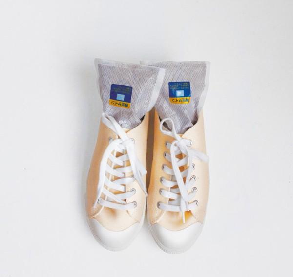 脱臭除湿シート シューズ3足用 防カビ 消臭 脱臭炭 湿気とり 靴用 シューズ用 除湿シート 脱臭シート|au Wowma!(ワウマ)