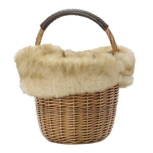 カカトゥ(kakatoo)/ファー バッグ ラビットファーフラップ付き柳ラウンドかごバッグ