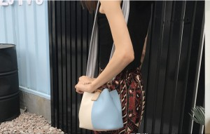 春夏☆バイカラーのバケツタイプ☆大人気のミニサイズショルダー/ハンドバッグ