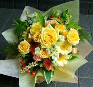 【結婚祝いの花 お祝い プレゼント花 2】ホワイトデー ギフト おまかせ 黄色オレンジ系 花束  花ギフト 結婚祝いの花祝い、誕