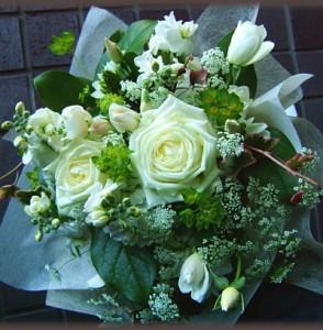 【結婚祝いの花 父の日 20】 おまかせ!ホワイトブーケ花束  花ギフト結婚祝いの花祝い、誕生