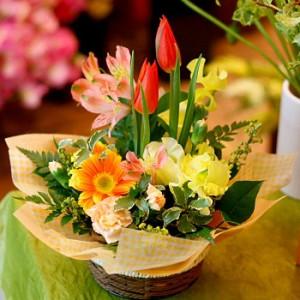 【結婚祝いの花 父の日 30】 おまかせ!黄色オレンジ系アレンジメント 花ギフト結婚祝いの花祝