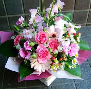 【結婚祝いの花 父の日 38】 おまかせ!ピンク系フラワーアレンジメント 花ギフト結婚祝いの花