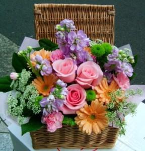 【結婚祝いの花 父の日 43】 おまかせ!ミックス色フラワーアレンジメント 花ギフト結婚祝いの