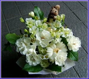 【結婚祝いの花 父の日 46】 おまかせ!白系フラワーアレンジメント 花ギフト結婚祝いの花祝い