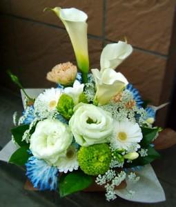 【結婚祝いの花 父の日 47】 おまかせ!ホワイトフラワーアレンジメント 花ギフト結婚祝いの花