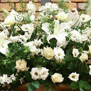 【結婚祝いの花 父の日 48】 おまかせ!ホワイト系フラワーアレンジメント 花ギフト結婚祝いの