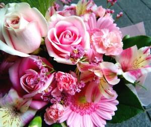 【結婚祝いの花 父の日 5】 おまかせ! ピンクブーケ 花束  花ギフト結婚祝いの花祝い、誕生