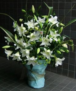 【結婚祝いの花 父の日 56】 おまかせ!カサブランカフラワーアレンジメント 花ギフト結婚祝い