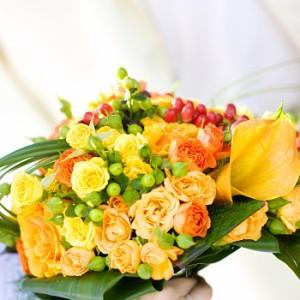 【結婚祝いの花 父の日 66】 おまかせ!黄色オレンジ系花束 花ギフト結婚祝いの花祝い、誕生日
