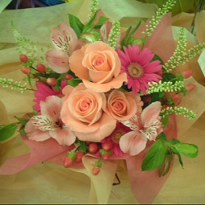【結婚祝いの花 父の日 8】 おまかせ! ピンク系アレンジメント 花ギフト結婚祝いの花祝い、誕