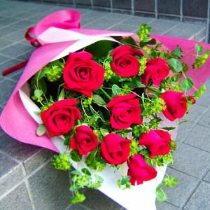 【結婚祝いの花 父の日 95】 おまかせ!赤バラの花束  花ギフト結婚祝いの花祝い、誕生日 ホ