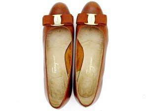 サルヴァトーレ フェラガモ Salvatore Ferragamo パンプス シューズ 靴 レディース ♯6ハーフ ヴァラリボン 人気 セール 【中古】 T2272