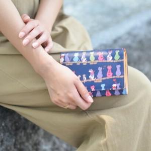 送料無料/アルカン/ARUKAN/二つ折り財布/折り財布/ネコたち/1316619/