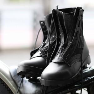 新品 G.I. TYPE ブーツジッパー 9ホールのブーツであれば取り付け可能なのでお手持ちのブーツをカスタムするの