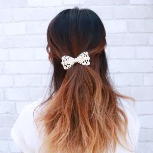 ヘアアクセサリー ヘアバレッタ 髪留め 滑り止め付き 透かし柄デザイン ビジュー パール 大ぶり 華やか エレガント パーティ