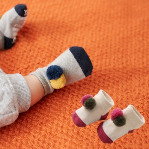 90b6911260b69  ベビー  Ampersand ポンポンソックス 赤ちゃん 男の子 女の子 ウェア 靴下 あったか 冷え