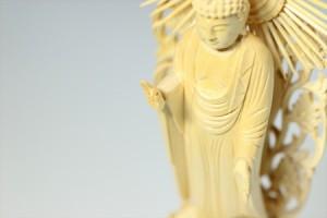 仏像■5寸■阿弥陀如来立像 六角台座 白木 浄土真宗 本願寺派 ご本尊■仏具(高さ36cm×幅13.6cm×奥行き9.8cm)