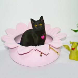 キャットハウス 猫 ネコ ペットベッド かわいい 可愛い フラワーデザイン 猫用 ベッド 北欧 ペットハウス フェルト ドーム ねこ