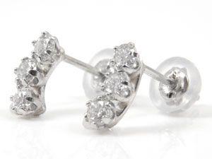 ピアス ダイヤモンドピアス ダイヤモンド 0.30ct トリロジー ホワイトゴールド 18金 天然石 ダイヤ レディース 女性用