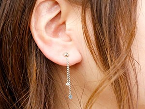 ピアス メンズ キャッチのいらないピアス 片耳ピアス ダイヤモンド ブルートパーズ ホワイトゴールドk18 ロングピアス 丸玉 シンプル キ