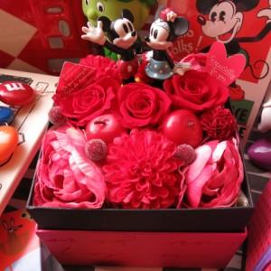 結婚祝い ディズニー フラワーギフト 箱を開けてサプライズ ミッキー ミニー入り ボックス プリザーブドフラワー
