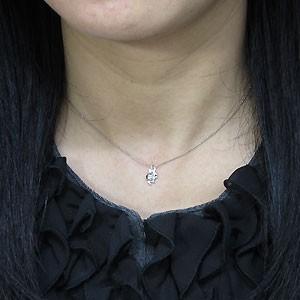 ダイヤモンドネックレス・K10・一粒・ペンダント・ネコ xmas クリスマス