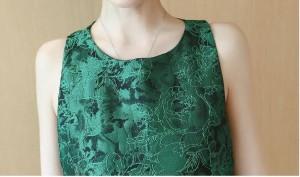 花柄 ノースリーブ Uネック フレア ミニ丈 ワンピース 刺繍 デザインカット