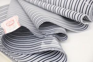 新柄/女物浴衣反物【川】 綿絽・型染 紫×白 綿100% お仕立て 生地 ブランド レトロ 浪漫 教材用 和裁 学校教材