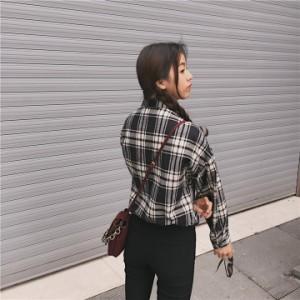 斜めポケットデザインがキュートなチェックシャツ
