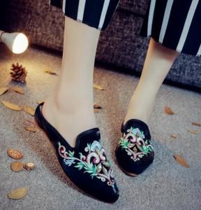 2点送料無料  レディース パンプス靴/刺繍靴 婦人靴 サンダル 中国風ボタン/民族風 ブーツ 綿麻靴/チャイナ靴 手作り北京布靴