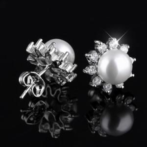 ピアス イヤリング アクセサリー レディース 一粒ピアス 女性用 輝き キラキラ シンプル 可愛い 華奢 プレゼント ギフト