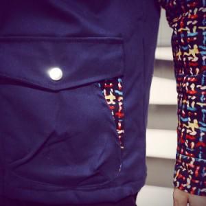 送料無料男の子 ジャケット アウター ダウンジャケット 中綿あり 長袖 フード付き 前開き ボタン 色切替 厚地 ダウンコート