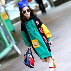 さらっと1枚着るだけで、オシャレ感のあるガーリィカジュアルが完成するキッズパーカワンピース 女の子長袖ワンピース 子供服 配色