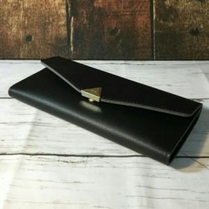今ならマネークリップをプレゼント♪スクエアスタッズ長財布 ロングレディース