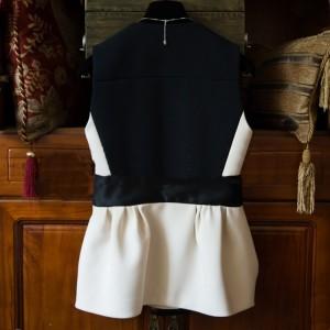 トップス ノースリーブ バイカラー ブラック ホワイト 裾フレア ウエストリボン モノトーン