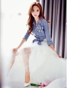 お花リボン付きストライプシャツ ブルー 旅行プール海リゾート散歩大人ルーズ韓国スタイル
