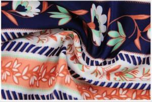 ビキニ 花柄 大人可愛いい バンドゥ 水着 レディース 4点セット オフショルダー トップス フレア袖 ショーツ フリンジ 体型カバー