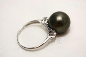 タヒチ黒蝶真珠パールリング【指輪】 12mm ブラックカラー K18WG製/D0.10ct