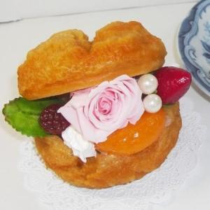 プリザーブドフラワーシュークリームケーキ送料無料ケースに入れて2,980円RCP