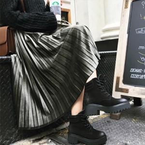 レディース カラー豊富 メタリックな光沢感のあるロング丈プリーツスカート 長くお使い頂ける一枚です。 大きいサイズ 女子会