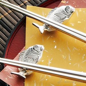 「送料無料」 純銀製 箸置 鯛 ( ギフト セット 結婚祝い お店 人気 東京銀器(金銀工芸) 結婚 出産 内祝い 引き出物 金婚式 )