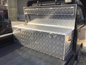 万能アルミボックスMA135 工具箱 ツールボックス 軽トラ 荷台 トラック 収納